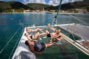 Etudiants de France Langue en excursion sur un catamaran